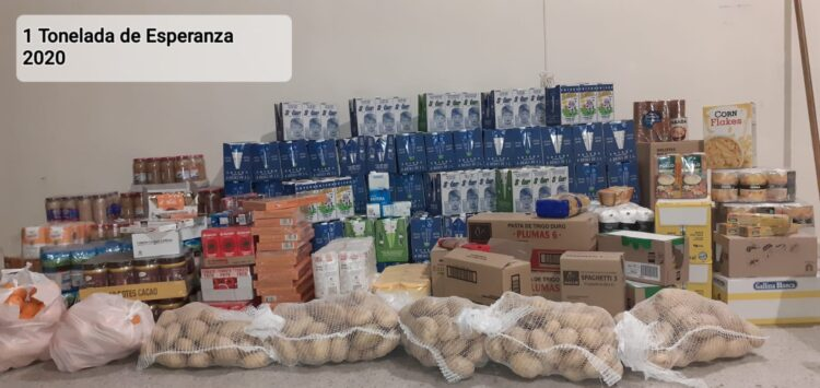 1030 kilos de alimentos listos para entregar a Cáritas